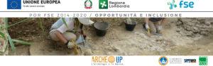 Archeologi al lavoro e logo dei partner del progetto